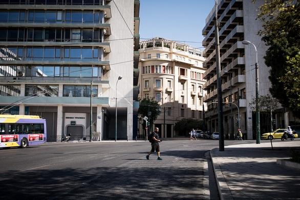 Μικρή αύξηση της αβεβαιότητας των επενδυτών για την ελληνική αγορά