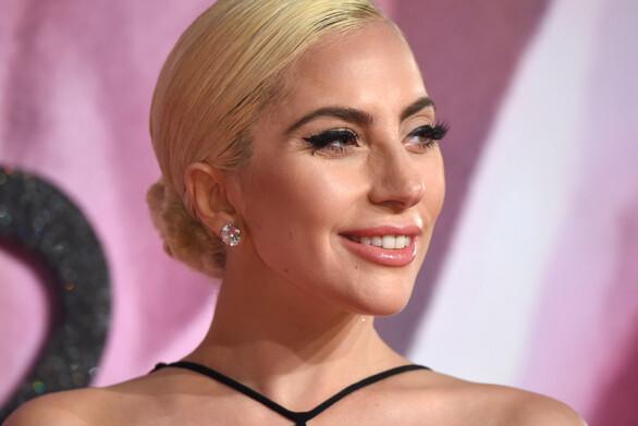 Η Lady Gaga δημιούργησε την πιο εντυπωσιακή προστατευτική μάσκα (φωτο)