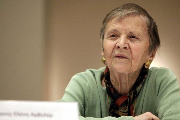 """Ελένη Γλύκατζη - Αρβελέρ: """"Αν ακούσω ότι τα ψηφιδωτά στην Αγία Σοφία έχουν δακρύσει δεν θα εκπλαγώ"""""""