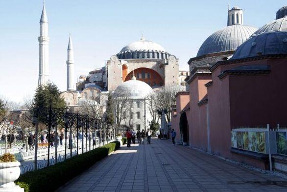 ΕΕ: Κοινό μέτωπο για κυρώσεις κατά της Τουρκίας «αν συνεχίσει» την παραβατική συμπεριφορά