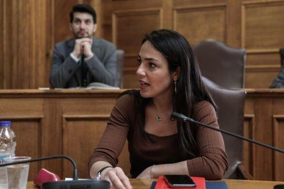 """Δόμνα Μιχαηλίδου: """"Στόχος να μην μείνει κανένα παιδί εκτός βρεφονηπιακού σταθμού"""""""