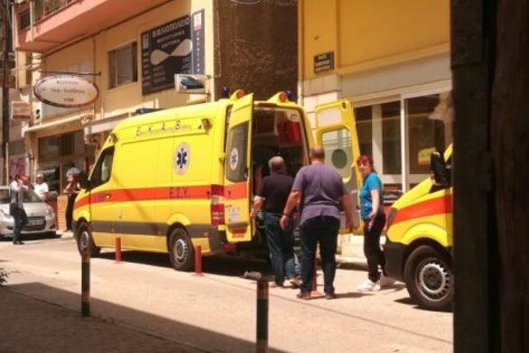 Επίθεση με τσεκούρι στην Κοζάνη: Κρατάει το στόμα του κλειστό ο δράστης (video)