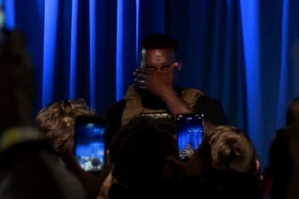 Kanye West - Έκλαψε και μίλησε κατά των αμβλώσεων στην πρώτη «προεκλογική» του ομιλία (video)