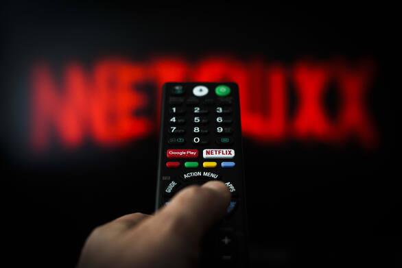 Netflix: Γκόσλινγκ και Έβανς οι πρωταγωνιστές της ταινίας με το μεγαλύτερο μπάτζετ