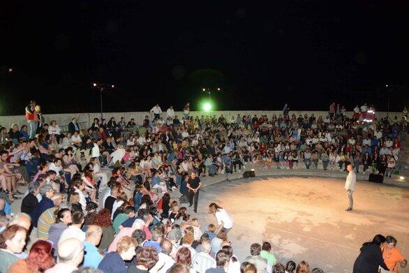 """H θεατρική oμάδα Ροϊτίκων παρουσιάζει στην Πάτρα το έργο """"η 'Αλλη Όψη"""""""