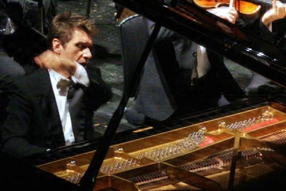 """Πάτρα: Εξαντλήθηκαν τα εισιτήρια για την συναυλία αφιέρωμα στον Μπετόβεν και της παράστασης του """"Νεκρού Αδερφού"""""""