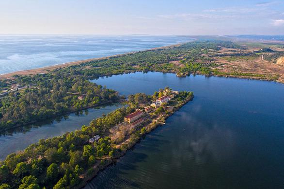 """Λίμνη Καϊάφα - Μια όμορφη """"πινελιά"""" στην Ηλεία (video)"""