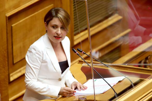 """Χριστίνα Αλεξοπούλου: """"Αναβαθμίζουμε την Εθνική Παιδεία στο σύνολό της"""""""