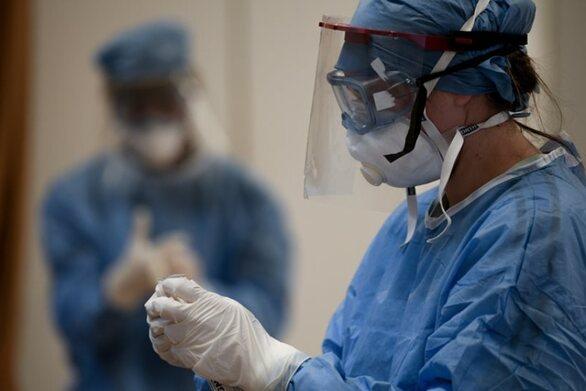 Κορωνοϊός - Έρευνα: Οι ψηλοί άνθρωποι διατρέχουν διπλάσιο κίνδυνο να νοσήσουν τον ιό