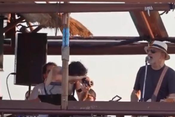 Πλωτή συναυλία σε καράβι στον Θερμαϊκό με τον Νίκο Πορτοκάλογλου (video)