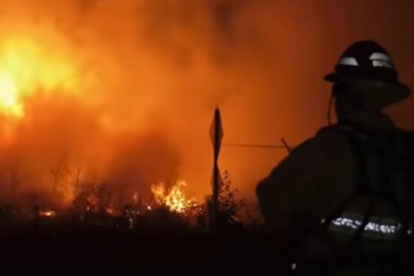 Καλιφόρνια: 8.000 άνθρωποι εγκατέλειψαν τις εστίες τους (video)
