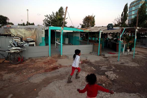 Πάτρα: Τι γίνεται με το από κοινού πλάνο για τα παιδιά Ρομά του Ριγανοκάμπου;
