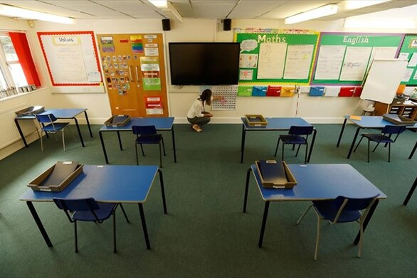 Βρετανία: «Βόμβα» το άνοιγμα των σχολείων χωρίς ιχνηλάτηση