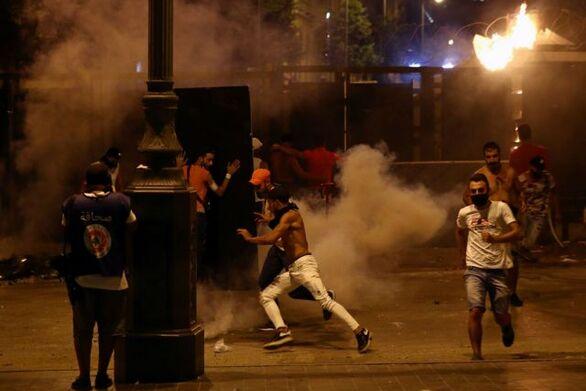 Βηρυτός: Δεύτερη νύχτα οργής - Σφοδρές οδομαχίες διαδηλωτών και αστυνομίας