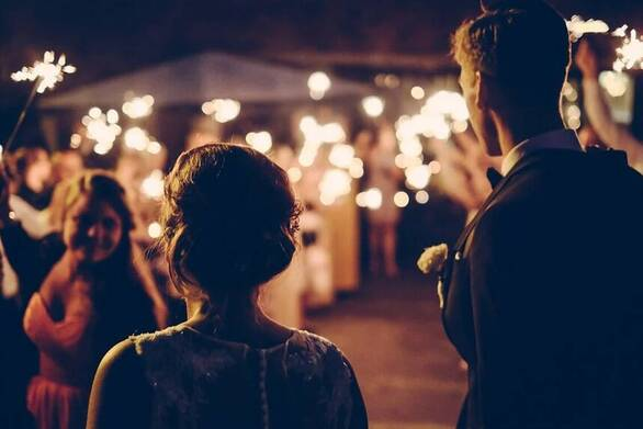 """Πάτρα: Προεόρτια γάμου στην ταράτσα με κόσμο και τον ιό να """"παραμονεύει"""""""