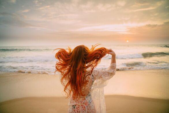 Τρόποι περιποίησης για να προστατεύσετε τα βαμμένα μαλλιά σας το καλοκαίρι
