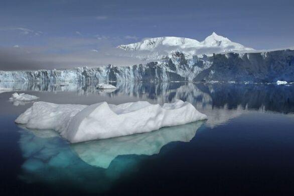 «Χωρίς επιστροφή» λιώνουν οι πάγοι της Γροιλανδίας