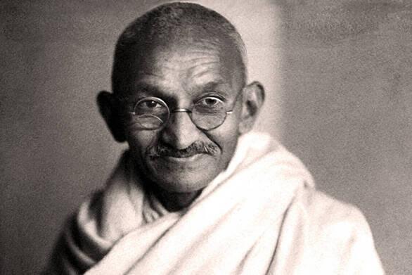 Γυαλιά του Γκάντι πωλήθηκαν έναντι 288.000 ευρώ