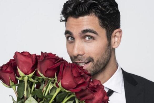 Παναγιώτης Βασιλάκος: «Όσες δεν πάρουν τριαντάφυλλο, αποχωρούν από το Bachelor»