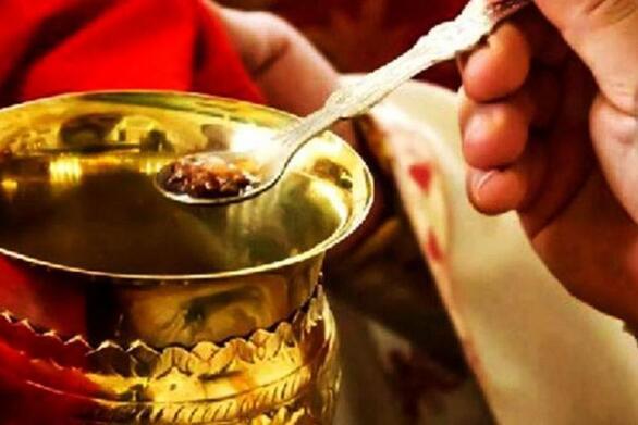 Μανώλης Δερμιτζάκης: Δεν γίνεται να κλείνουν επιχειρήσεις και στις εκκλησίες να συνεχίζεται η μετάληψη