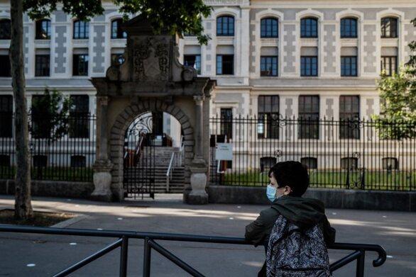 Γαλλία - Κορωνοϊός: Κλειστά 81 σχολεία - Συρροές κρουσμάτων σε πάνω από δέκα πανεπιστήμια