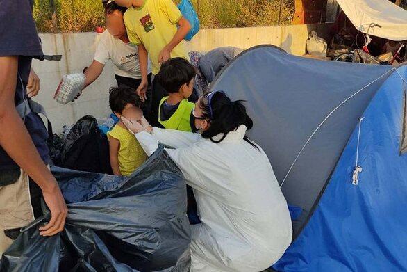 Λέσβος: Αστυνομική επιχείρηση για τη μεταφορά των μεταναστών στο Καρά Τεπέ (video)