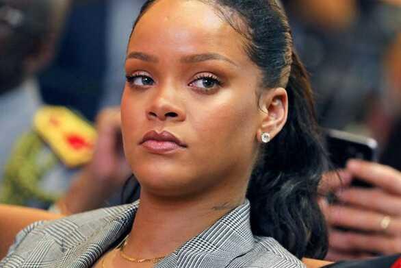 H Rihanna πουλά το πολυτελές σπίτι της στο Λονδίνο (φωτο)