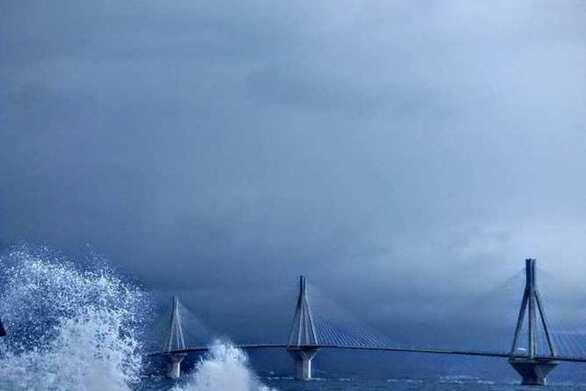 """Κακοκαιρία """"Ιανός"""": Οι άνεμοι στον Πατραϊκό κόλπο θα """"αγγίξουν"""" τα 11 μποφόρ!"""