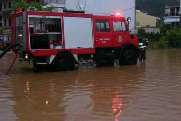 Κακοκαιρία Ιανός: 63 κλήσεις παροχής βοήθειας δέχτηκε η Πυροσβεστική στην Δυτική Ελλάδα