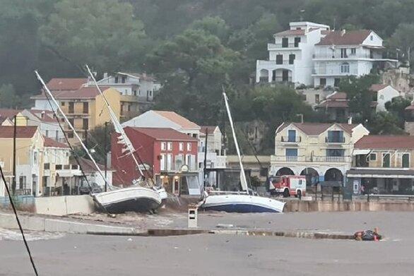 Κακοκαιρία Ιανός: 43 σκάφη βυθίστηκαν στην Κεφαλονιά