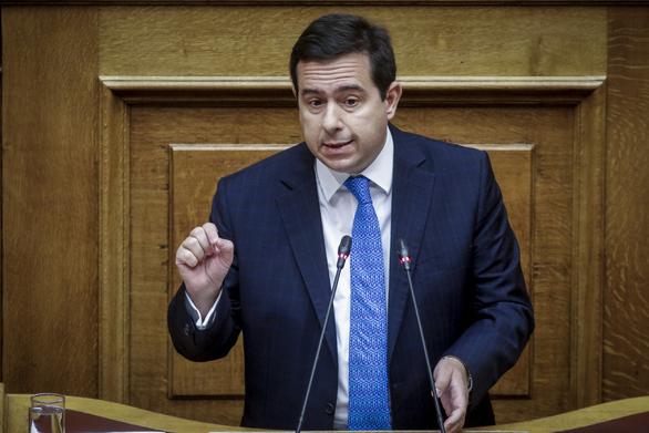 """Καταγγελία Μηταράκη: """"Επί ΣΥΡΙΖΑ δόθηκε άσυλο σε καταδικασμένο για εμπορία ανθρώπων"""""""
