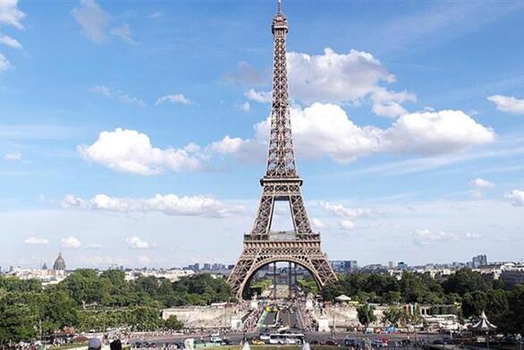 Παρίσι: Άνοιξε ξανά ο Πύργος του Άιφελ