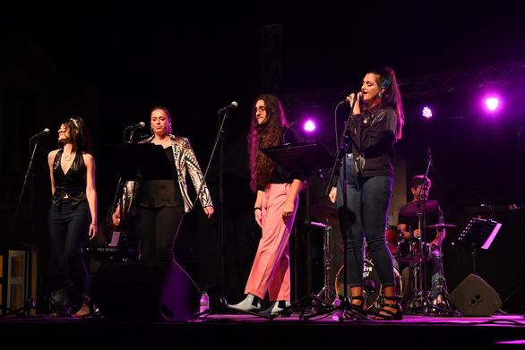 """""""Disco Flavor"""" - Με επιτυχία πραγματοποιήθηκε η συναυλία της Πολυφωνικής στα Παλαιά Σφαγεία (φωτο)"""