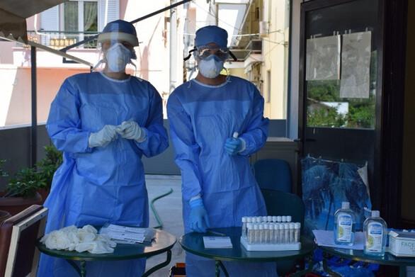 """Κορωνοϊός - Εξαδάκτυλος: Η"""" τελευταία ευκαιρία να τιθασεύσουμε τον ιό με απλά μέτρα"""""""