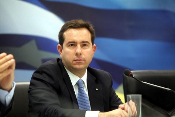 """Νότης Μηταράκης: """"Συνολικά 1.600 προσφυγόπουλα θα μετεγκατασταθούν στο εξωτερικό"""""""