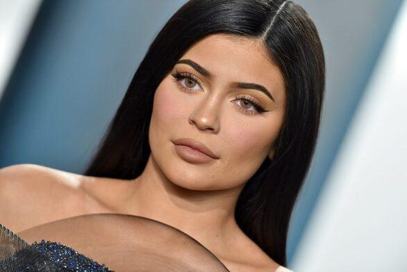 Έξαλλη η Kylie Jenner με φωτογραφία της Kim Kardashian στο Instagram