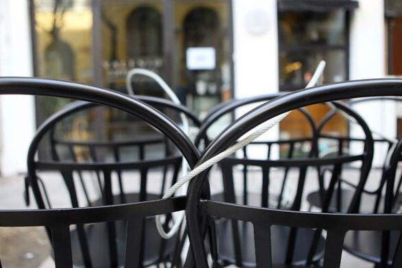 """""""Λουκέτο"""" σε κατάστημα της Πάτρας για τη μη τήρηση των μέτρων κατά του κορωνοϊού"""