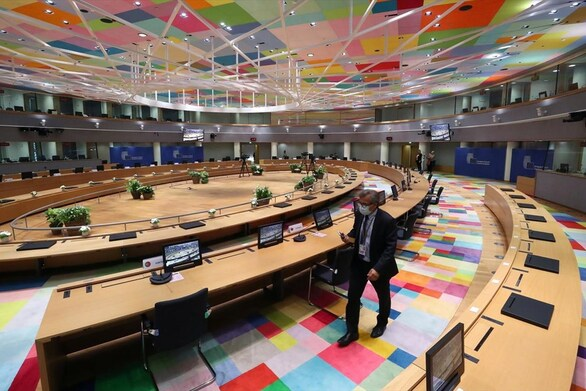 Η επιστροφή του κορωνοϊού απειλεί να διαλύσει τον προγραμματισμό για το Ταμείο Ανάκαμψης