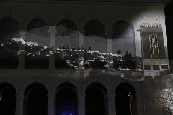 """Με επιτυχία πραγματοποιήθηκε η παράσταση """"Πάτρα, η Πόλη των Εργοστασίων, του Ρεμπέτικου και του Καραγκιόζη""""!"""