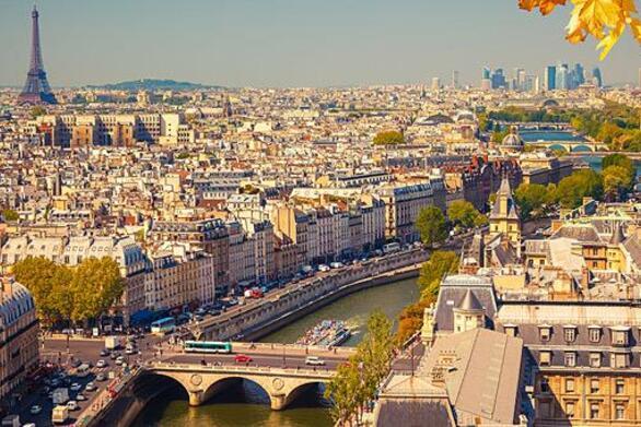 Παρίσι: Πανικός από αεροπλάνο που έσπασε το φράγμα του ήχου