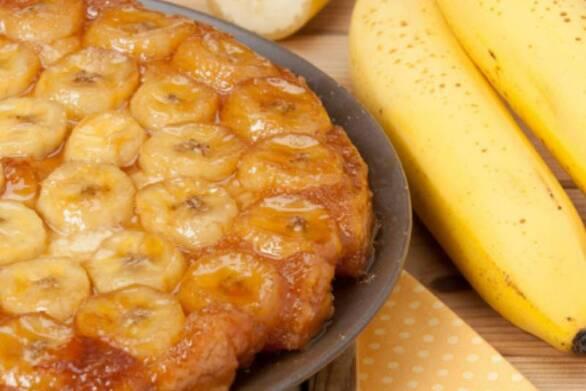 Γλυκό σουφλέ με καραμελωμένες μπανάνες