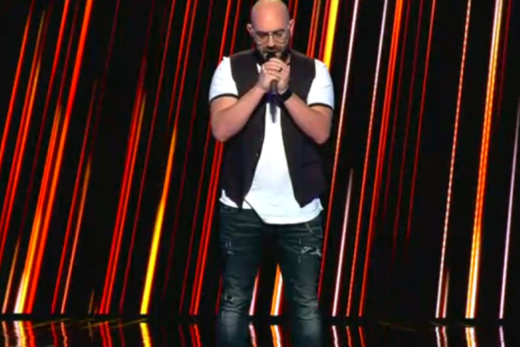 """Νίκος Μπέλος - O Πατρινός που δοκίμασε την τύχη του στο """"The Voice"""" (video)"""