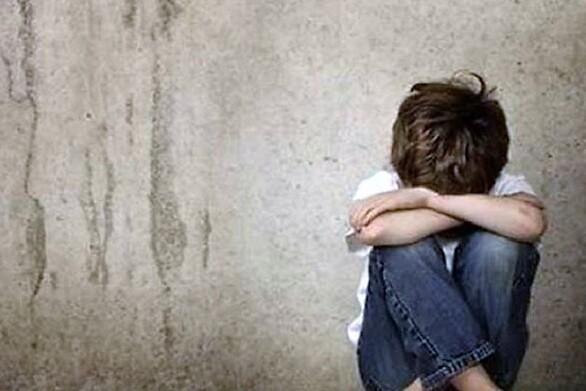 Σε δομή ανηλίκων θα μεταφερθεί ο 10χρονος που ξυλοκοπήθηκε από τον πατέρα του στο Ηράκλειο