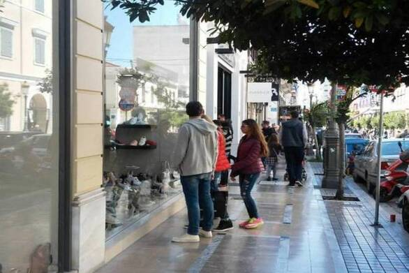Πάτρα: Ζημιά και στα εμπορικά μαγαζιά από τα πιο αυστηρά μέτρα για τον κορωνοϊό