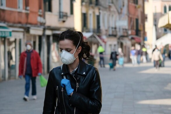 Κορωνοϊός - Αυξάνονται τα κρούσματα και οι εισαγωγές σε ΜΕΘ στην Ιταλία