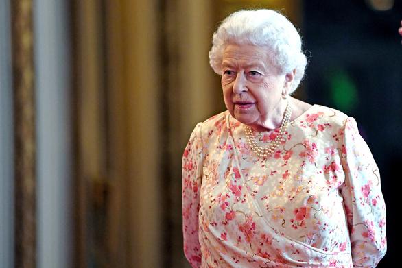 Η βασίλισσα Ελισάβετ αναζητά νέο υπάλληλο