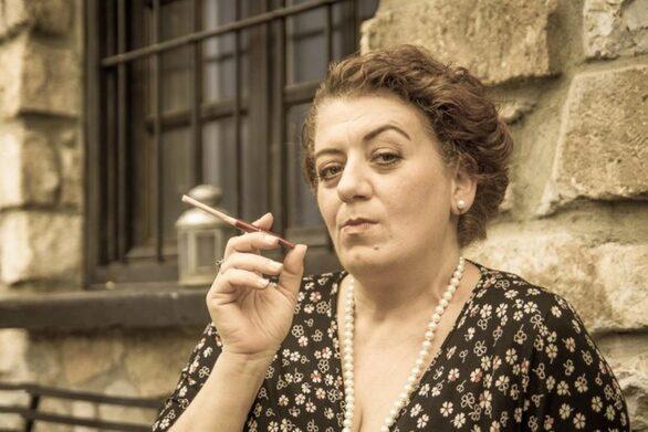 """Μαρία Αντουλινάκη: """"Στο θέατρο πάντα νιώθω υπέροχα γιατί είναι το δεύτερο σπίτι μου"""""""
