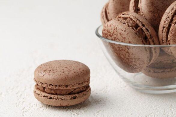 Αφράτα μακαρόν με κρέμα σοκολάτας