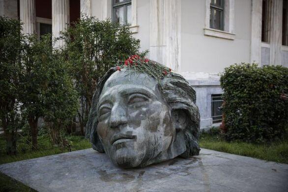 """Πάτρα: To Σωματείο """"Ο Ιπποκράτης"""" τιμά την εξέγερση του Πολυτεχνείου"""