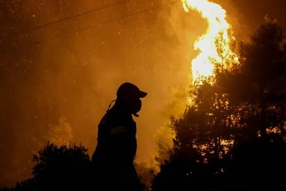 Αχαΐα: Ξέσπασε φωτιά σε αγροτοδασική έκταση στο Λάππα - Μαίνονται ισχυροί άνεμοι